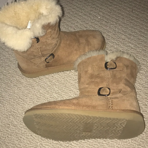Kirkland Signature Ladies' Shearling Boot (2017)